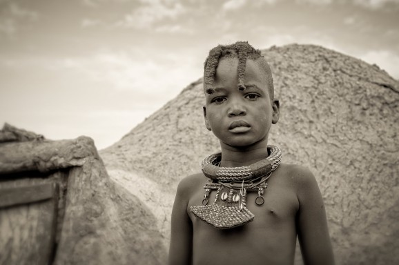 Himba Teenager © Marja Schwartz