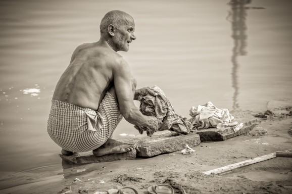 Ganges Laundry II © Marja Schwartz