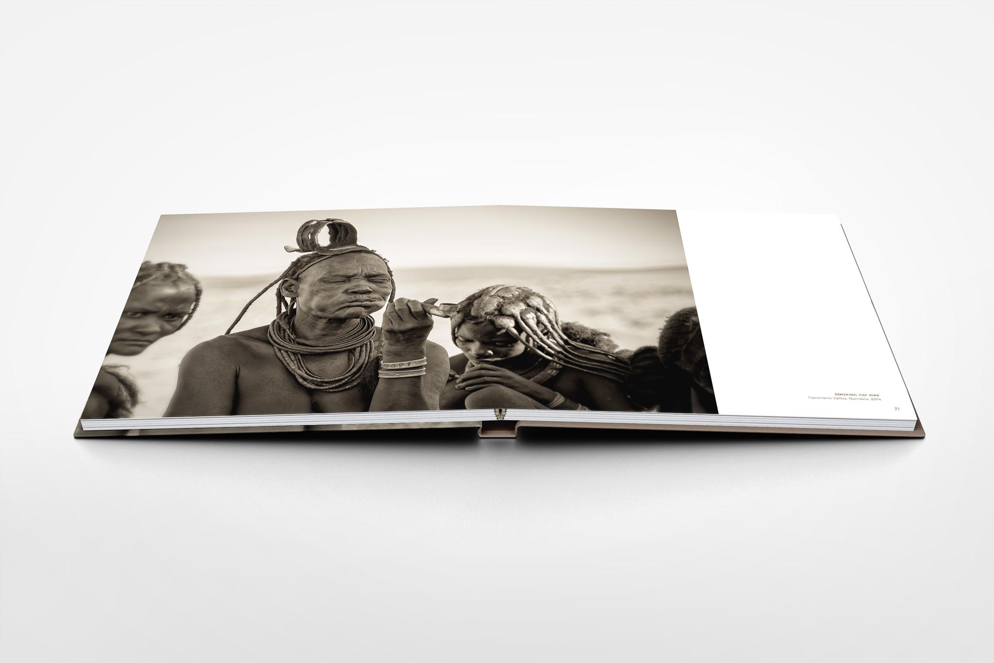 Square-PhotoBook-Mock-up-Seite-20-21