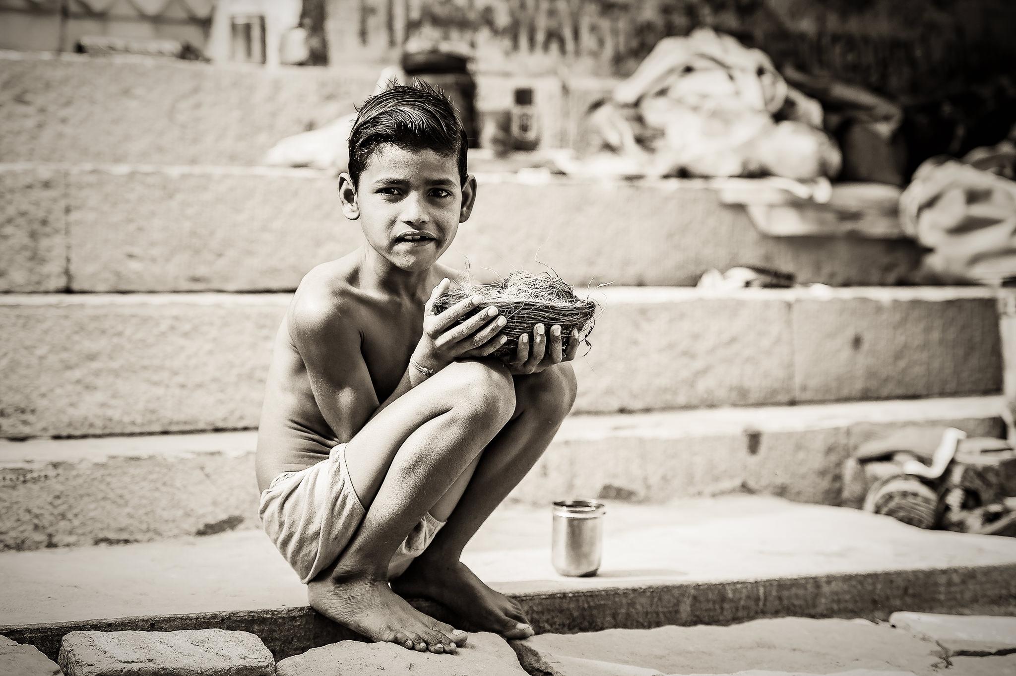 Hindu-Boy-Offering